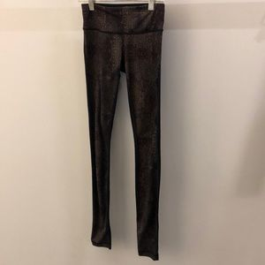 Lululemon black and brown legging, sz 2, 69163
